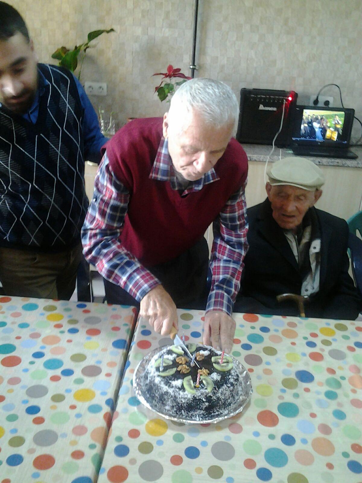 Bilen Amcamızın Doğumgünü Kutlaması